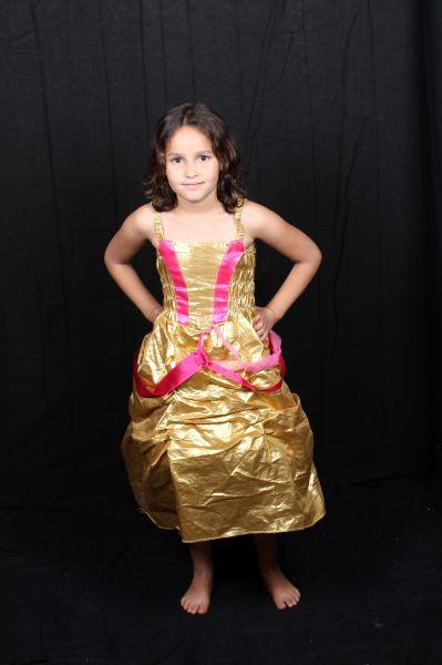 goudkleurige prinsessenjurk voor kinderen